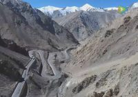 The building of Xinjiang to Tibet highway (Xinjiang section)