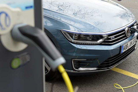 VW will buy 20% of Chinese battery maker Guoxuan