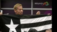 Botafogo fans wildly welcome midfielder Honda as he arrives in Rio