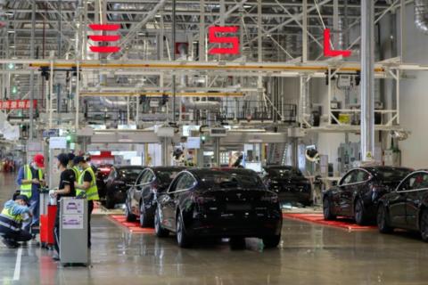 3,600 China-made Tesla sedans reached Europe